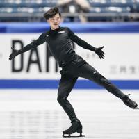 公式練習に臨む友野一希=東京・国立代々木競技場で2019年12月19日、佐々木順一撮影