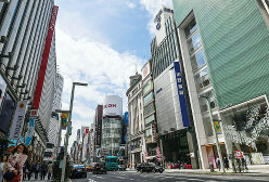 商業地の公示地価が日本一高い銀座4丁目