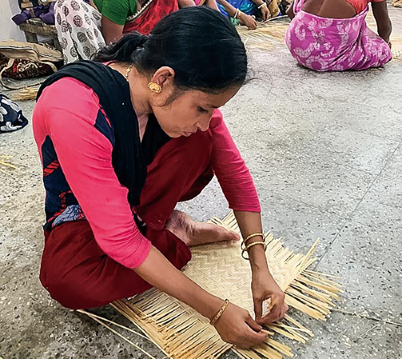竹工芸は雇用を生み出す(筆者撮影)