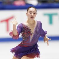 女子フリーで演技する、2位の樋口新葉=東京・国立代々木競技場で2019年12月21日、佐々木順一撮影