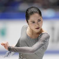 女子フリーで演技する宮原知子=東京・国立代々木競技場で2019年12月21日、佐々木順一撮影