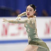 女子フリーで演技する優勝した紀平梨花=東京・国立代々木競技場で2019年12月21日、佐々木順一撮影