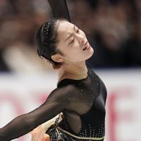 女子フリーで演技する、3位の川畑和愛=東京・国立代々木競技場で2019年12月21日、佐々木順一撮影