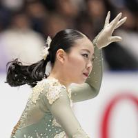 優勝した紀平梨花のフリーの演技=東京・国立代々木競技場で2019年12月21日、佐々木順一撮影