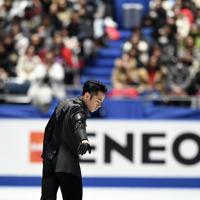 男子フリーの冒頭、集中して演技に入る高橋大輔=東京・国立代々木競技場で2019年12月22日、竹内紀臣撮影