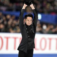 男子フリーを前に、6分間練習で調整する高橋大輔=東京・国立代々木競技場で2019年12月22日、竹内紀臣撮影