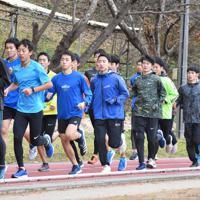 練習に臨む田村の選手ら=福島県田村市の田村高校で