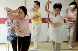 健康維持を目指して踊る人たち