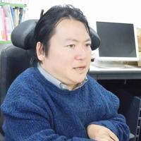 熊谷晋一郎・東大准教授=東京都目黒区で2019年12月16日午後1時58分、堀井恵里子撮影