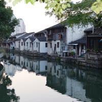水郷の街並みが美しい紹興=中国浙江省紹興で2019年11月9日、浦松丈二撮影