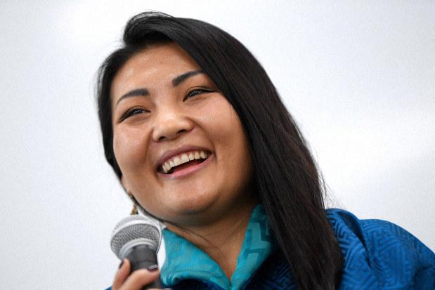誰かの力になりたい ブータンのジャーナリスト協会代表、ナムゲイ ...