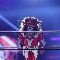 現役最後の試合を終え、リングで一礼する獣神サンダー・ライガー=東京ドームで2020年1月5日、山本晋撮影
