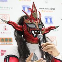 現役を終えた思いを語る獣神サンダー・ライガー=東京ドームで2020年1月5日、山本晋撮影