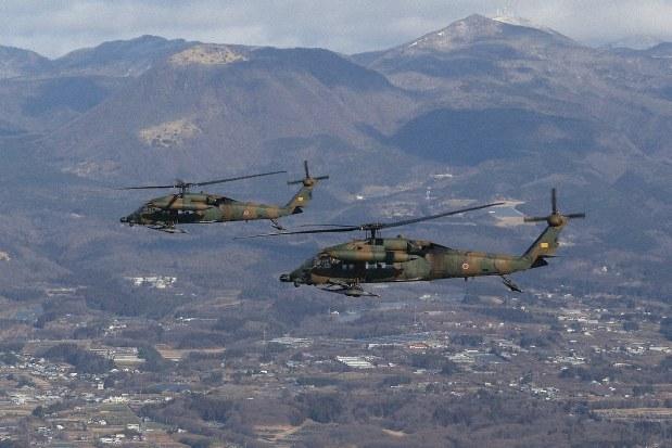 決意を新たに年初飛行訓練 相馬原駐屯地で陸自第12旅団 /群馬 ...
