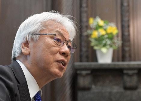 毎日新聞のインタビューに答える参院の小川敏夫副議長=国会内で2019年12月23日午後2時41分、川田雅浩撮影