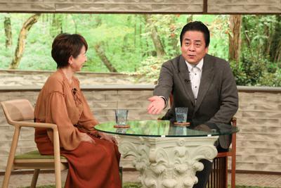 「サワコの朝」に登場する立川談春さん(右)=MBS提供