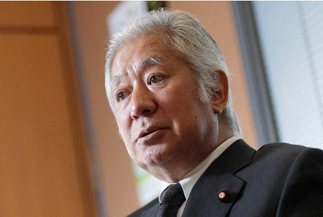 インタビューに応じる森英介衆院議員=東京都千代田区で2019年12月24日、吉田航太撮影
