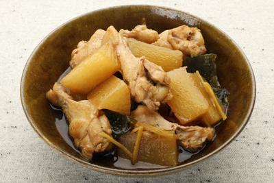 鶏とダイコンの昆布じょうゆ煮