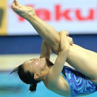 水泳世界選手権での三上の演技=宮武祐希撮影