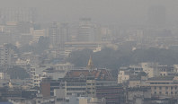A thick layer of smog covers central Bangkok, Thailand, on Jan. 20, 2020. (AP Photo/Sakchai Lalit)