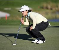 Nasa Hataoka reads the green during a playoff in the Tournament of Champions LPGA golf tournament, on Jan. 20, 2020, in Lake Buena Vista, Fla. (Michael Johnson/Daily Sun via AP)