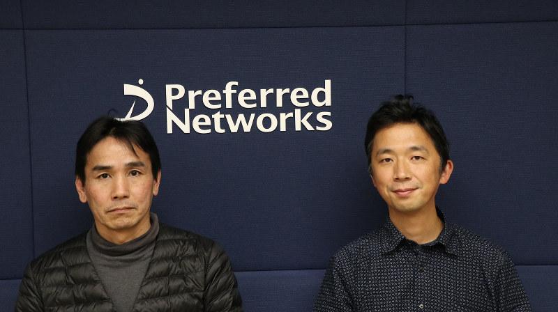 シニアエンジニアの名村健氏(左)と執行役員の土井裕介氏