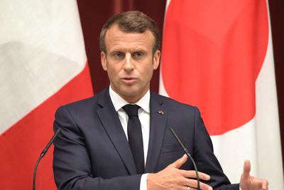 フランスのマクロン大統領=日本の首相官邸で2019年6月26日、川田雅浩撮影
