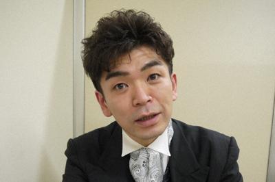 活動写真弁士の坂本頼光=東京都千代田区で2020年1月15日、田中博子撮影
