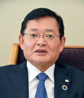 東谷暢昭会長兼CEO(最高経営責任者)