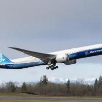 米西部ワシントン州の飛行場を離陸するボーイングの次世代大型旅客機777X=ボーイングのホームページより