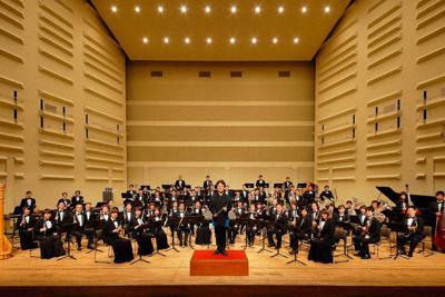 須川展也氏を常任指揮者に擁するヤマハ吹奏楽団=同楽団提供