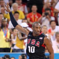 北京五輪、男子バスケットボール決勝でプレーするコービー・ブライアント=北京市で2008年8月24日、梅村直承撮影