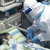 武漢にある病院の集中治療室=2020年1月24日、AP