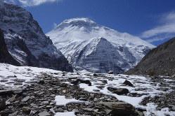 標高4750メートルのベースキャンプ近辺から見たダウラギリⅠ峰=2019年10月14日、藤原章生撮影