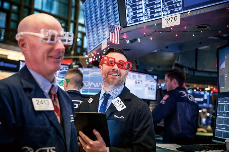 ニューヨーク市場のトレーダー(Bloomberg)