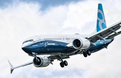 英航空ショーで飛行する737MAX(英南部ファンボローで、筆者撮影)