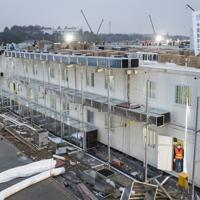 急ピッチで建設が進む新型肺炎専門の病院=中国の湖北省武漢市で2020年2月1日、AP