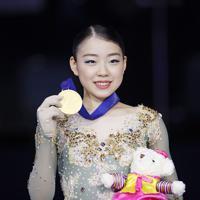 フィギュアスケートの4大陸選手権で、男女を通じ大会初の2連覇を果たした紀平梨花=韓国・ソウルで2020年2月8日、AP