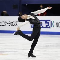 【4大陸フィギュア】男子フリーで演技するイ・シヒョン(韓国)=韓国・ソウルで2020年2月9日、AP