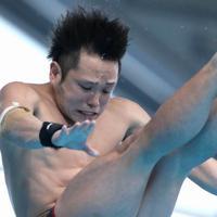 男子高飛び込み決勝、3位となった村上和基の6回目の演技=東京辰巳国際水泳場で2020年2月9日、宮武祐希撮影