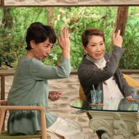 「サワコの朝」に登場する水前寺清子さん(右)=MBS提供
