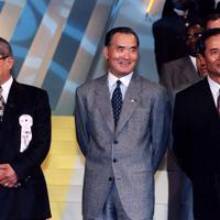 日米野球歓迎レセプションに出席した(右から)王貞治さん、長嶋茂雄さん、野村克也さん=東京・新高輪プリンスホテルで1996年10月31日