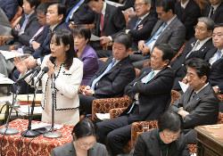 黒川弘務東京高検検事長の定年延長の閣議決定は、衆院予算委員会でも焦点の一つに(国会内で2月3日)