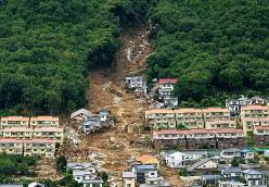 土砂崩れで被災した広島県安佐南区八木地区=2014年