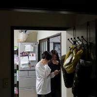 浜田静里奈さんの高校進学にあわせて母亮子さんも「2人でいたい」と仙台市内で一緒に暮らしている=仙台市青葉区で2019年12月、和田大典撮影