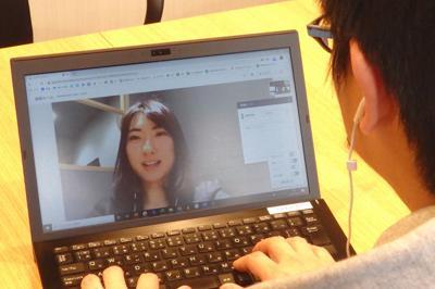 新型コロナウイルス感染の予防策として企業の間で需要が高まっている「オンライン面接」のイメージ=東京都港区で2020年2月20日午後2時45分、成田有佳撮影