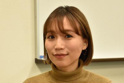 エシカルファッションの普及に努める鎌田安里紗さん=徳島市で2019年12月17日午後3時23分、松山文音撮影