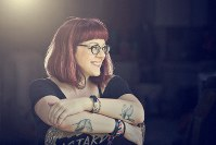 In this 2018 photo provided by Victoria 'V.E.' Schwab, the author poses for a portrait.  ( Jenna Maurice/Victoria 'V.E.' Schwab via AP)