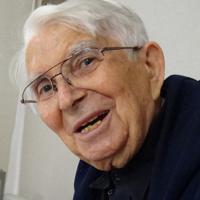 マリオ・カンドゥチ神父=東京都昭島市で2017年11月