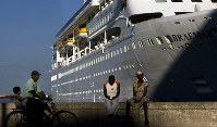 In this April 14, 2008 file photo, the Fred Olson Cruise Liner Braemar is docked at the port in Havana, Cuba. (AP Photo/Ramon Espinosa)